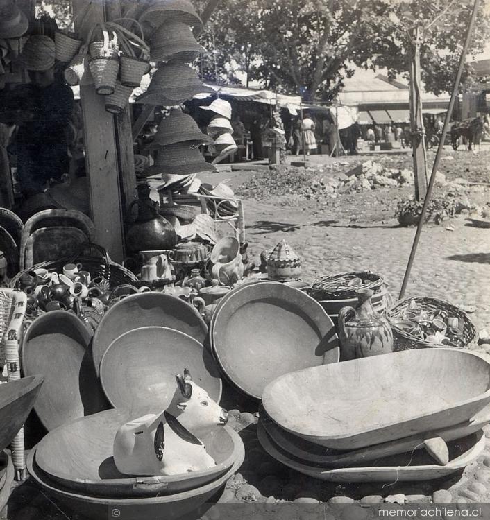 Resultado de imagen para 1974 Se inaugura la primera feria Internacional de Artesanía en chile