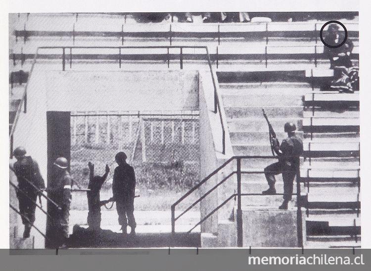 estadio nacional de chile 1973 ile ilgili görsel sonucu