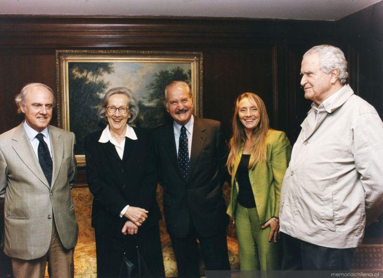 e027982970663e De izquierda a derecha, Agustín Squella, Carla Cordua, Carlos Fuentes,  Silvia Lemus