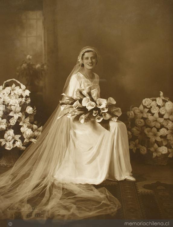 Imagen de mujer vestida de novia