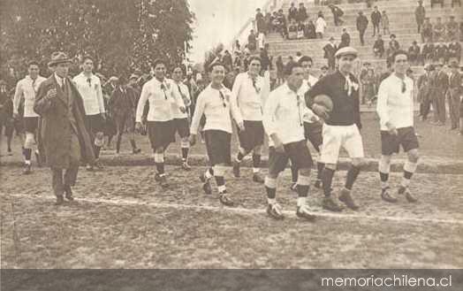 Inicios del fútbol chileno (1895-1933) - Memoria Chilena 09241433c4026