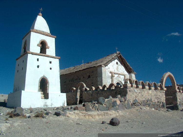 Iglesia de cotasaya tarapac 2005 memoria chilena for Grabado de cristales zona sur